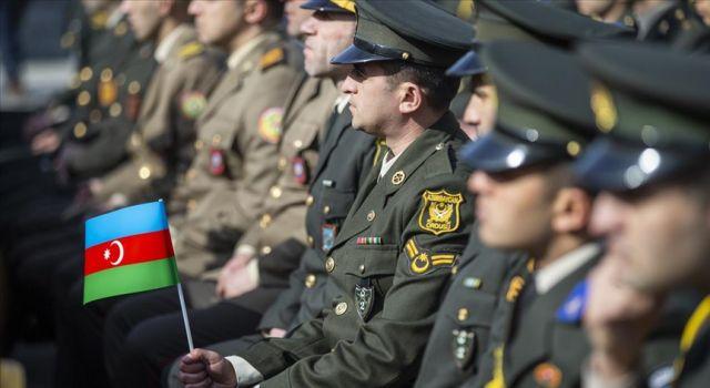 Azerbaycan ordusu Dağlık Karabağ'daki savaşta 2 bin 802 şehit verdi