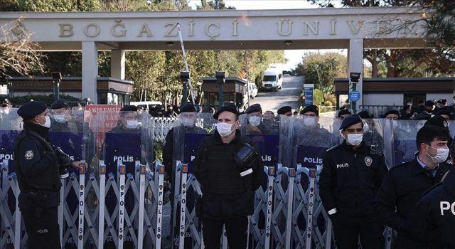 Boğaziçi'ndeki gösterilerde gözaltına alınan 12 kişinin farklı terör örgütlerinin faaliyetlerine katıldığı tespit edildi