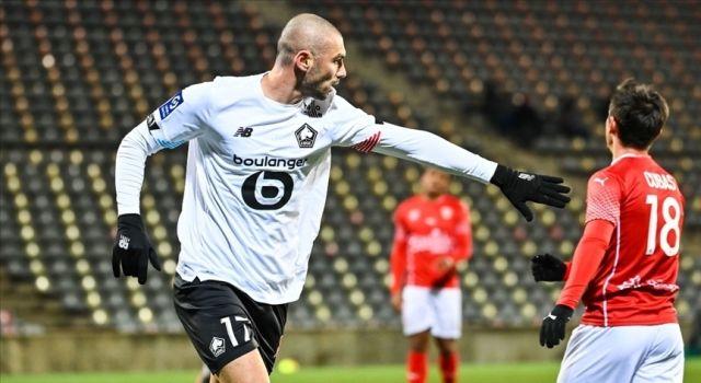 Lille, Burak Yılmaz'ın golleriyle Lyon'u 3-2 yendi