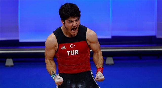 Milli halterci Muhammed Furkan Özbek Avrupa şampiyonu oldu