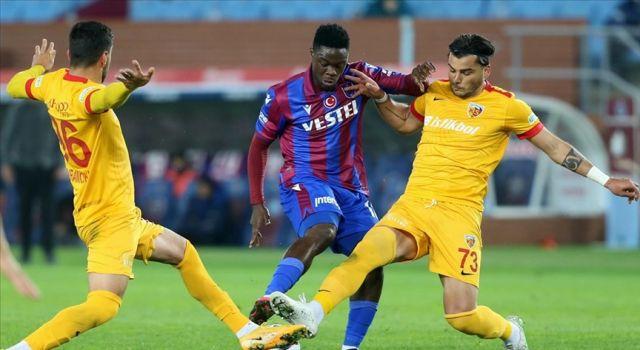 Trabzonspor evinde 1 puana razı oldu