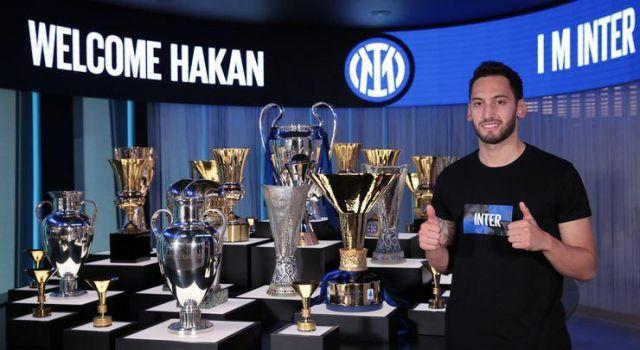 Hakan Çalhanoğlu Inter'e transferinden mutlu