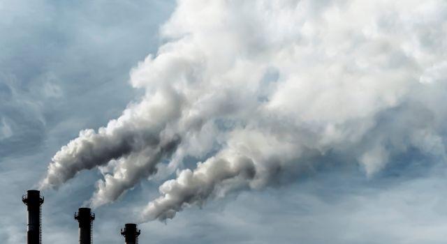 IEA: Elektrik sektörü kaynaklı karbon emisyonları 2022'de rekor seviyeye çıkabilir