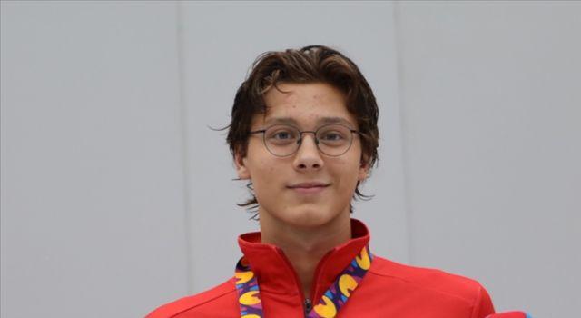 Milli yüzücü Berke Saka, Avrupa Gençler Şampiyonası'nda altın madalya kazandı