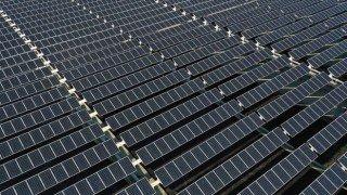 Türkiye'de güneşte 50 gigavat kapasiteye rahatlıkla ulaşabiliriz